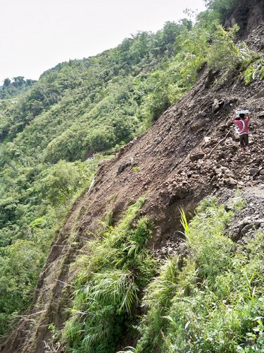 landslide on the way to Hapao