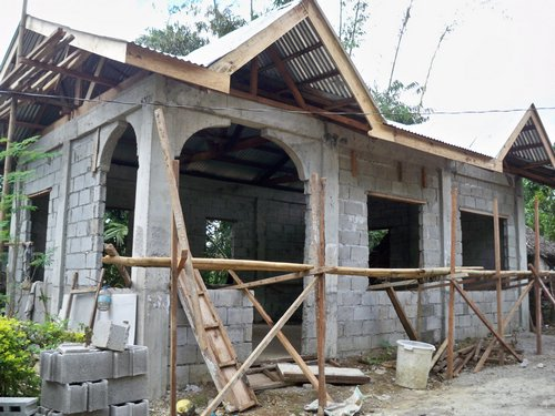 Building a concrete block house part 6 philippines for Homes for small blocks