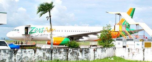 zest airlines plane