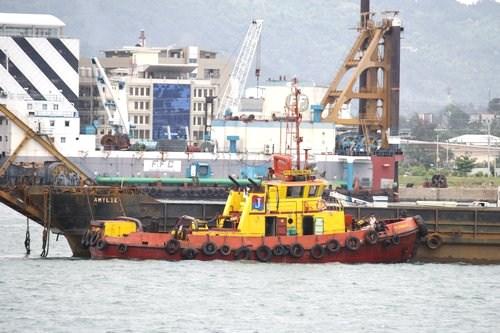 tug boat in Cebu harbor
