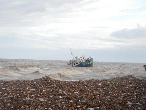 Sendong debris and shipwreck