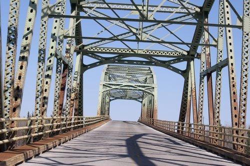 Edzo Rae bridge