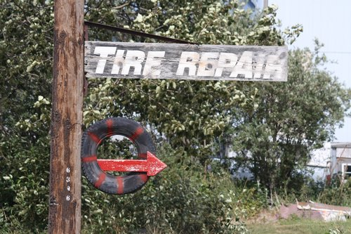tire repair sign